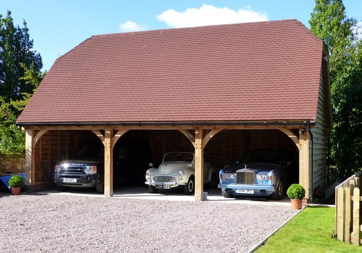 Green fresh sawn oak frame structures for Due bay garage